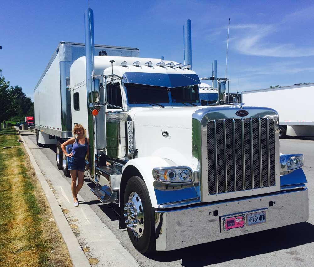 Stage door transportation concert trucking special for Door to door transport